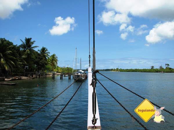 Chegando na Ilha do Sapinho. Baía de Camamu, Bahia. Imagem: Janaína Calaça