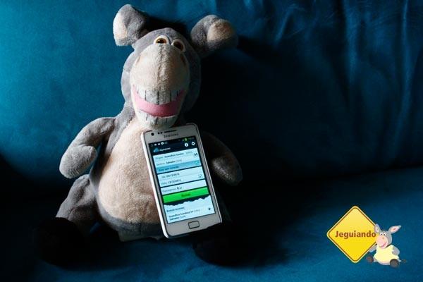 Jegueton utilizando o aplicativo de celular do Skyscanner para buscar passagens para Salvador. Imagem: Erik Pzado