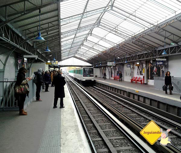 Metrô de Paris. Imagem: Janaína Calaça