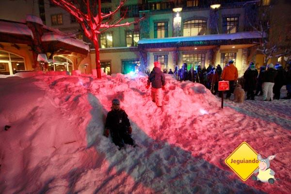 Crianças brincando na neve. Imagem: Erik Pzado