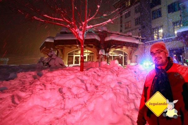 Erik também aderiu à festa dos pequenos e foi atrás da neve! Imagem: Janaína Calaça