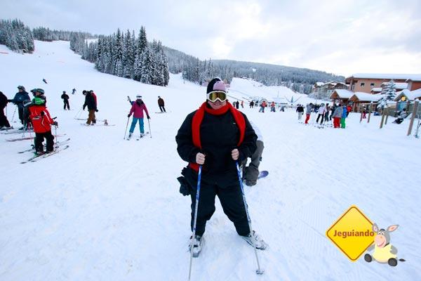 Juro que tentei esquiar. Imagem: Erik Pzado