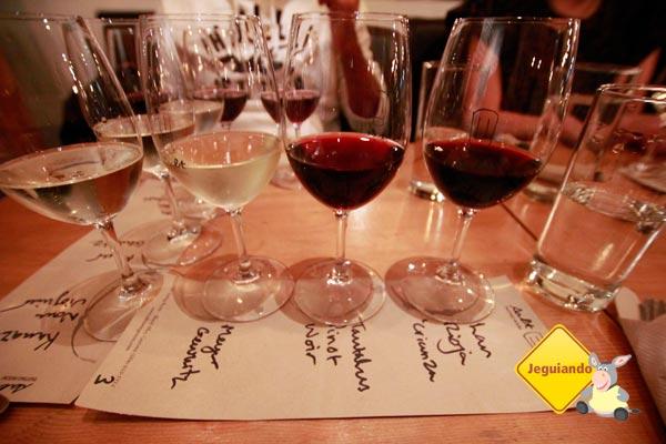 Degustação de vinhos no Salt Tasting. Vancouver, British Columbia. Imagem: Erik Pzado