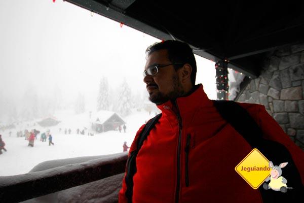 Tomando coragem para enfrentar o frio. Grouse Montain. Vancouver, British Columbia. Imagem: Erik Pzado