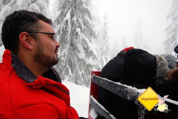 Erik congelando no gelo. Imagem: Janaína Calaça