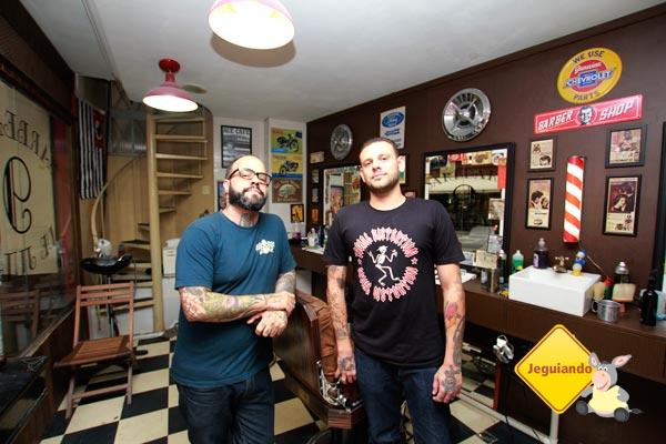 Os Barbeiros. Imagem: Erik Pzado