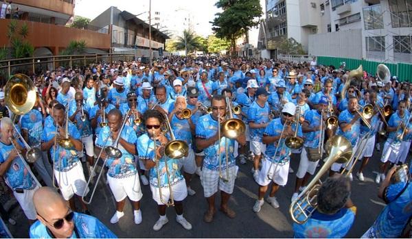Blocos de carnaval 2013 Rio. Banda de Ipanema. Imagem: http:/www.blog.volayo.com/bloco-banda-de-ipanema-2013