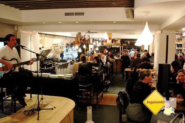 Trinque Fougasse, dica de local bacana para happy hour em Montpellier, França. Imagem: Janaína Calaça