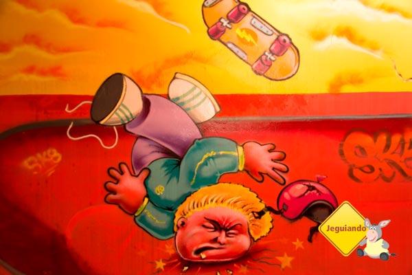 Arte por toda parte do Telstar Hostels. Imagem: Erik Pzado