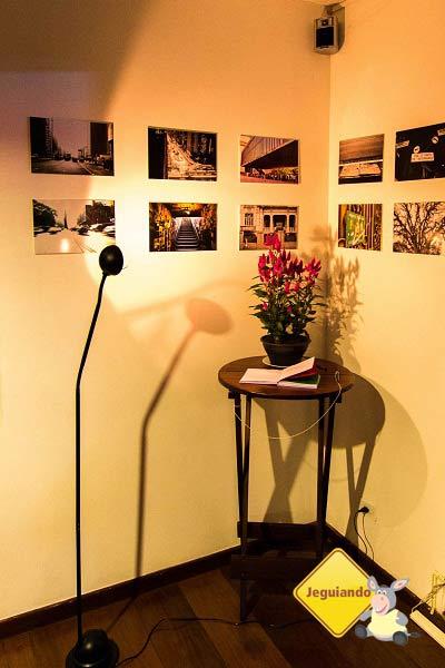 Cantinho do lobby do Telstar Hostels. Imagem: Erik Pzado