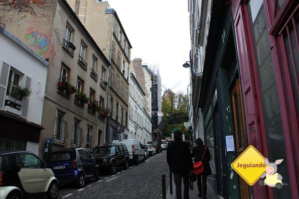Subindo Montmartre. Imagem: Janaína Calaça