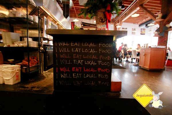 """""""Vou comer comida local!"""". Imagem: Erik Pzado"""