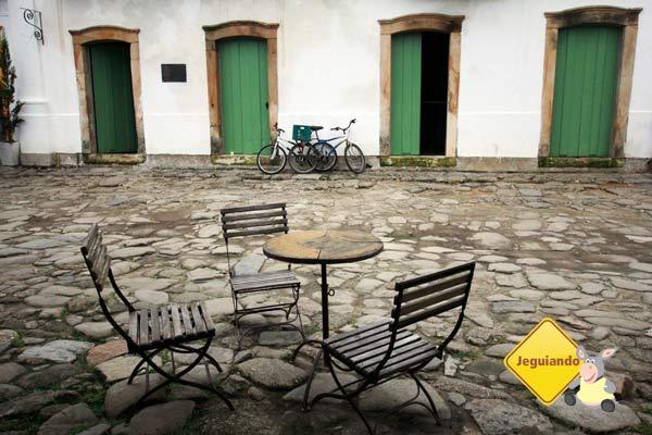 As charmosas ruas de pedra de Paraty. Imagem: Erik Pzado