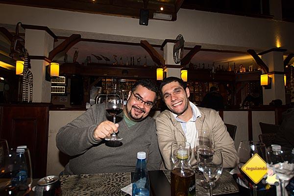 Erik e Cássio no Safari, durante nossa viagem a Campos do Jordão. Imagem: Janaína Calaça