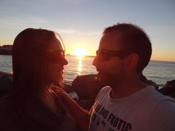 Naiara Amormino e o maridão, do blog Aventuras e Expedições, foram assistir ao lindo pôr do sol de Viña del Mar, no Chile
