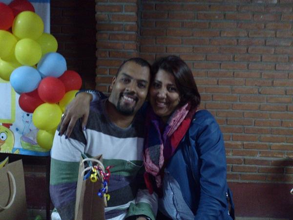 ernanda Vieira e Marcelo Bomfim foram curtir uma festa de aniversário em São Paulo juntos, na cidade da garoa.