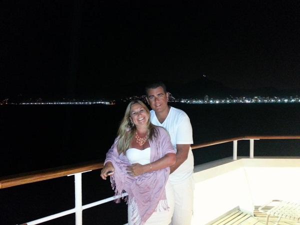 Sandra e Jefferson escolheram passar o Réveillon em Copacabana , entre o brilho dos fogos, e receber o ano de 2013 em uma das cidades mais adoradas do Brasil