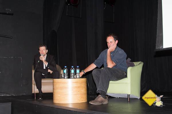 Alexandre Cymbalista e Amyr Klink em palestra sobre roteiro antártico. Imagem: Erik Pzado