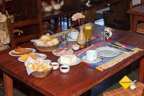 Café da manhã do Hotel Fazenda São Francisco. Cunha, SP. Imagem: Erik Pzado