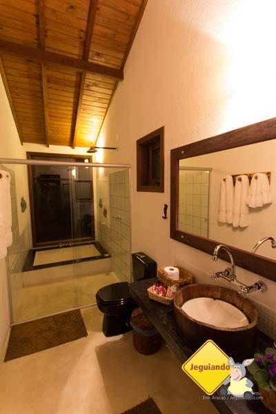 Banheiro com vista panorâmica. Celeiro do Gutto. Cunha, SP. Imagem: Erik Pzado