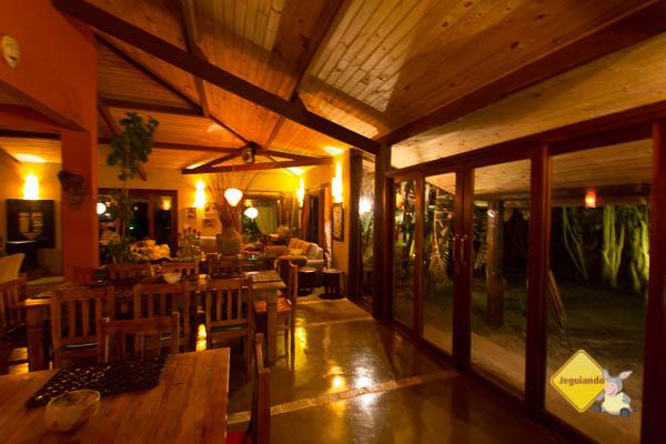 Living e restaurante do Celeiro do Gutto. Cunha, SP. Imagem: Erik Pzado