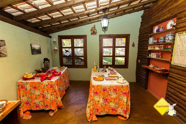 Café da manhã da Pousada e Restaurante Dona Felicidade. Cunha, SP. Imagem: Erik Pzado