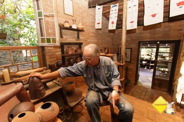 Alberto Cidraes, um dos pioneiros do movimento ceramista de Cunha. Imagem: Erik Pzado