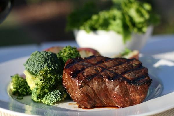 Steak Dinner. Kone Restaurant, Miami. Imagem: Divulgação