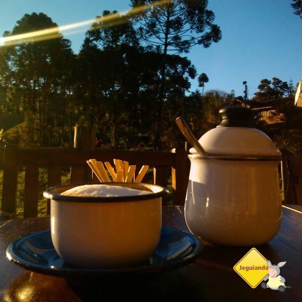 Cafézin para espantar o friozin. Tudo da Roça. Cunha, SP. Imagem: Erik Pzado