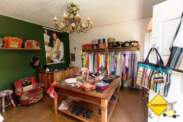 Madame Sá. Roupas, sapatos e acessórios artesanais. Tiradentes, Minas Gerais. Imagem: Erik Pzado