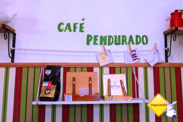 Café pendurado, um gesto de gentileza, funciona na Casa do Sino. Imagem: Erik Pzado