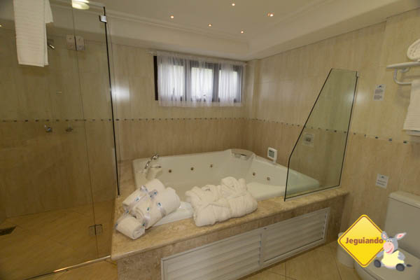Banheira de hidromassagem. Disponível em algumas opções de acomodação. Imagem: Erik Araújo