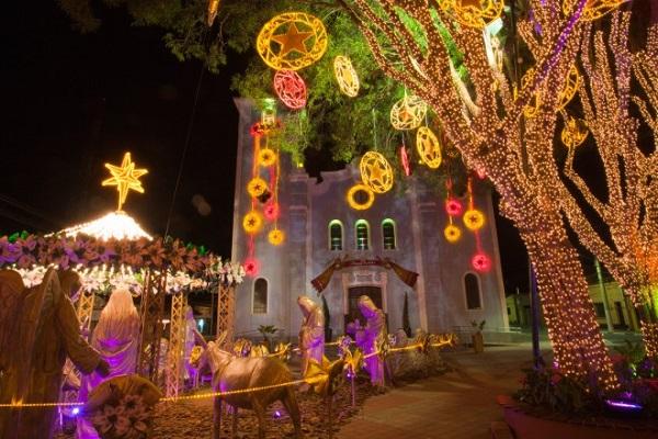 Natal Luz em Guararema, São Paulo. Imagem/Fonte: http://www.guararema.sp.gov.br/