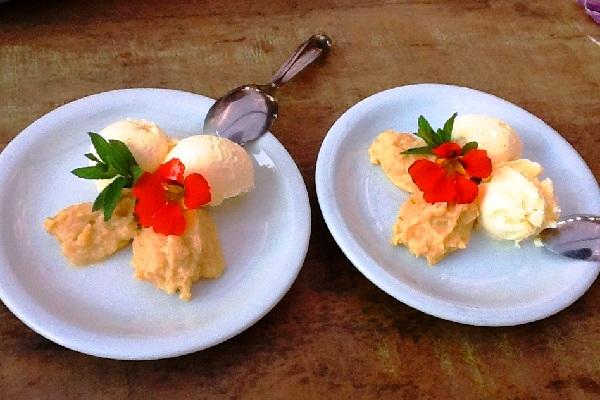 Ambrosia com sorvete de creme. Imagem: Aldeia Bar