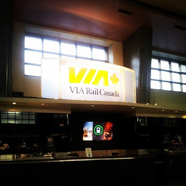 Estação de trem da Via Rail em Montréal. Imagem: Janaína Calaça
