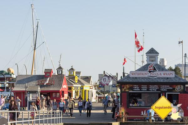 Barraquinhas de comida localizadas no Waterfront de Halifax, em Downtown. Imagem: Erik Araújo