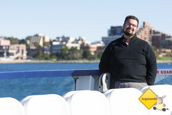 Erik no ferry boat rumo a Darmouth. Imagem: Erik Araújo
