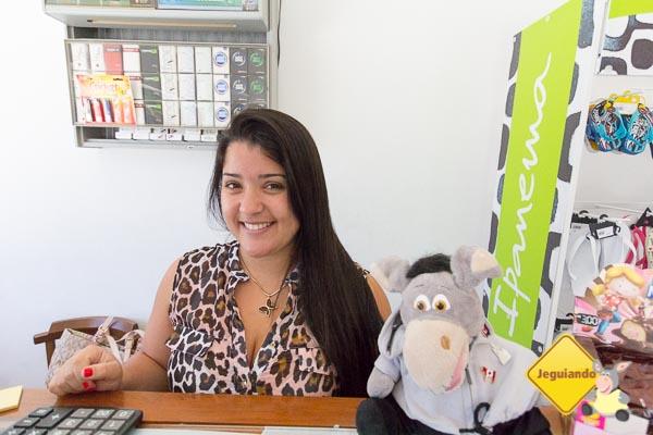 Jegueton visitando a Liliane na loja de conveniência. Pausa para o sorvete. Imagem: Erik Araujo