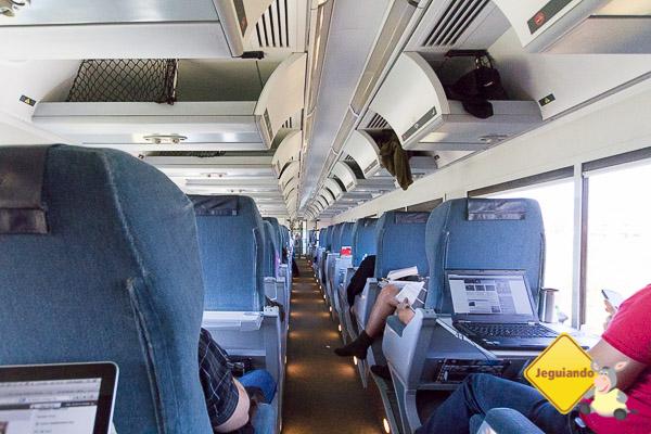 The Corridor, Economy Class. Via Rail. Trecho de Montréal a Québec City. Imagem: Erik Araújo