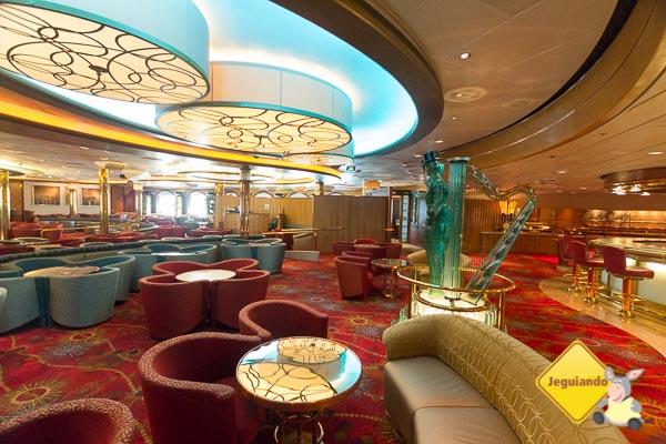 Bares e lounges complementam as opções de entretenimento oferecidas pelo Splendour of The Seas. Imagem: Erik Araújo