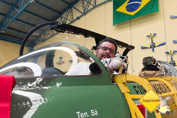 Erik e Jegueton no Hangar do Broa Golf Resort. Itirapina, São Paulo. Imagem: Erik Araújo