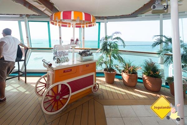 Hot dog com vista para o mar. Imagem: Erik Araújo