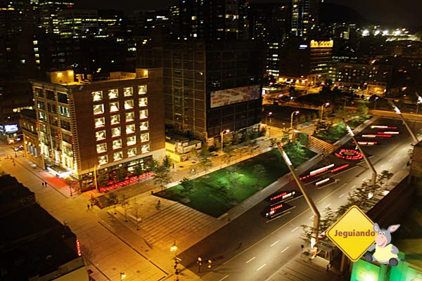 Place-des-Arts à noite. Montréal, Québec. Imagem: Erik Araújo