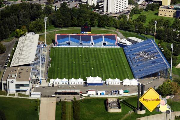 Stade Olympique visto a partir do Parc Olympique de Montréal. Montréal, Québec. Imagem: Erik Araújo