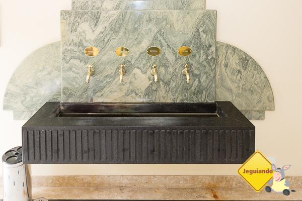 Fonte de três águas minerais distintas no Grande Hotel São Pedro. Imagem: Erik Araújo