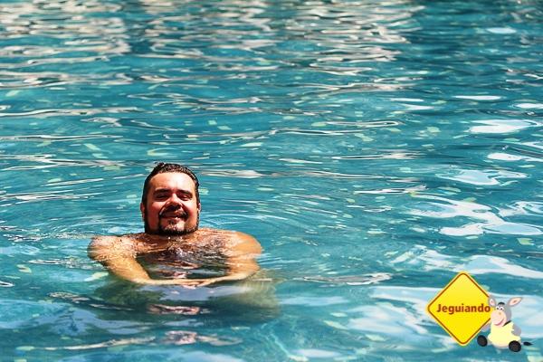 Erik se esbaldando na piscina do Grande Hotel São Pedro. Águas de São Pedro, São Paulo. Imagem: Erik Araújo