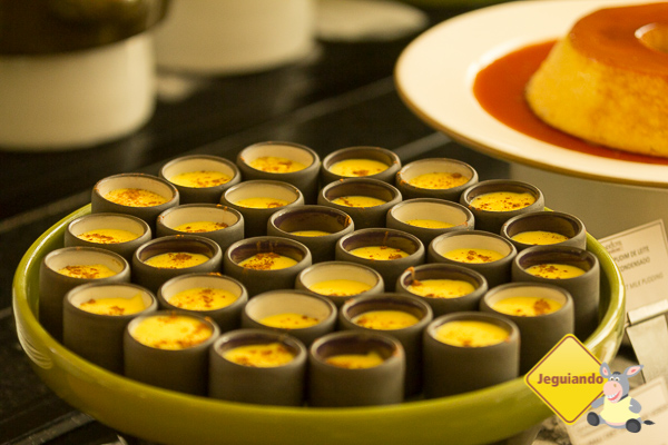 Buffet de sobremesas do restaurante Grande Hotel. Imagem: Erik Araújo