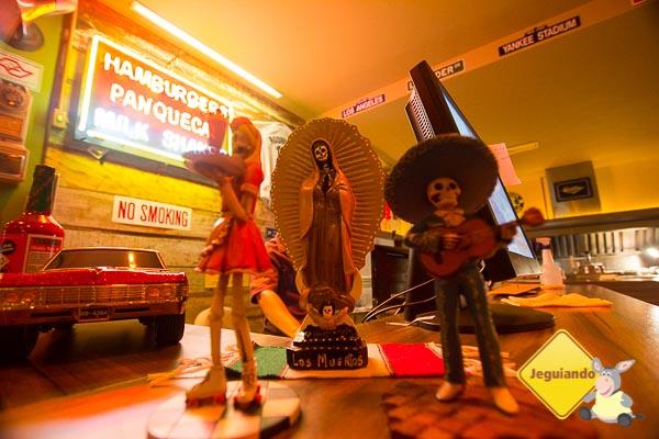 Catrinas temáticas: Garçonete, Santa Morte e El Mariachi. Imagem: Erik Araújo