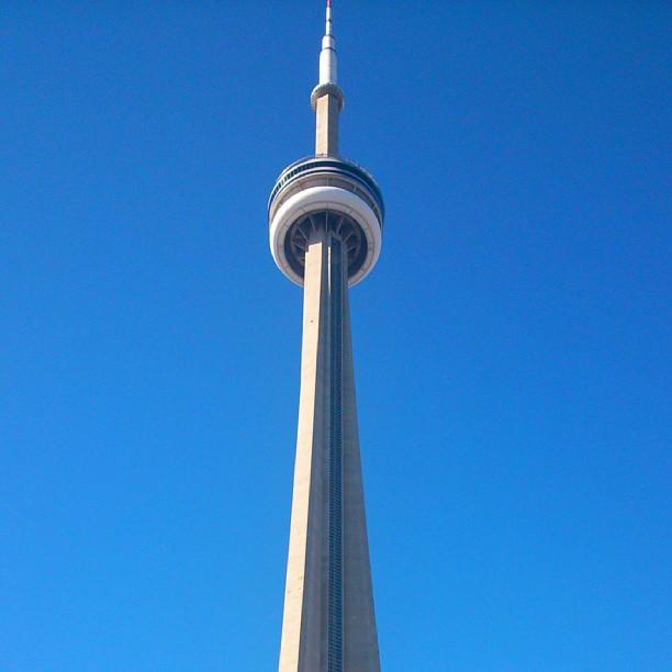 CN Tower, um dos ícones de Toronto. Imagem: Janaína Calaça