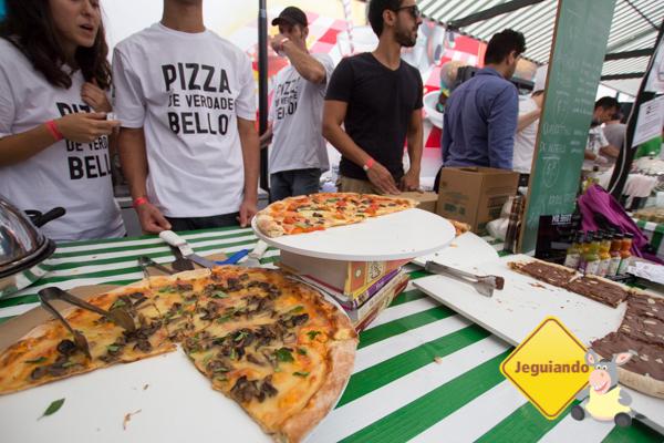Exemplares de A Pizza da Mooca. Imagem: Erik Araújo